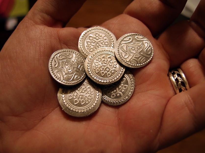 coinsinhand1.jpg